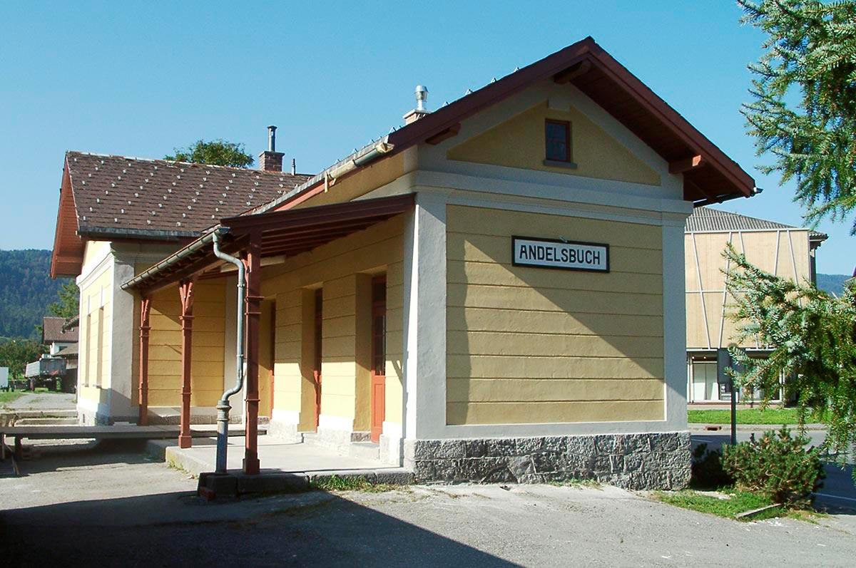 Der kulturverein bahnhof nach der Renovierung der Fassade, 2003